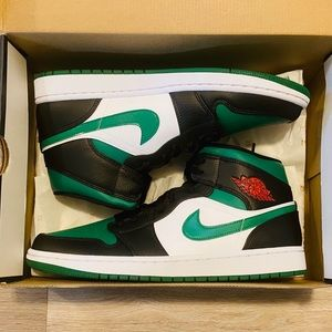 Nike Air Jordan 1 Mid Pine Green White Red Black